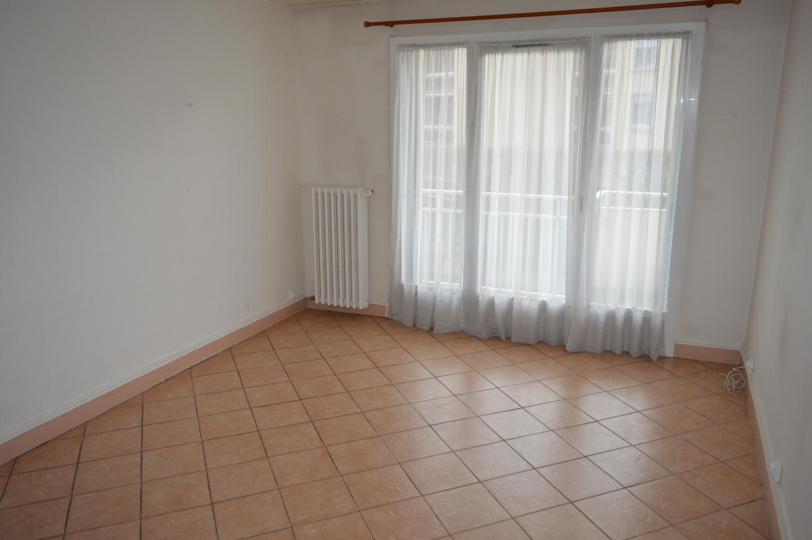 Vente appartement dreux avec agence du lion for Piscine de dreux